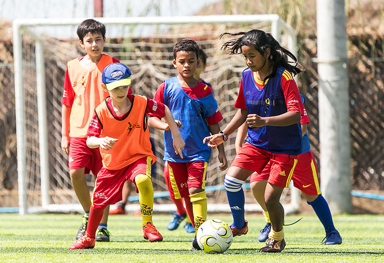 elite-soccer-coaching-cambodia-football-school-10-15-years-page-main