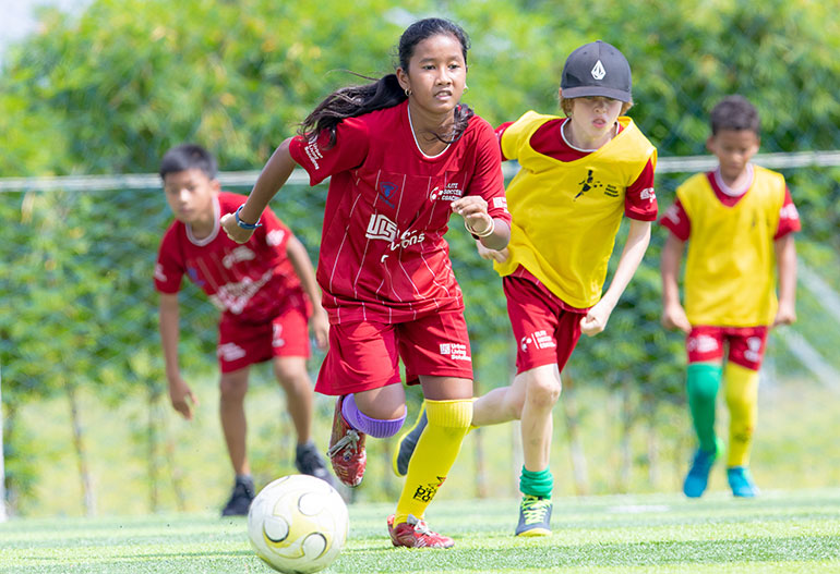 elite-soccer-football-school-cambodia-coaching-soccer-schools-10-15-main